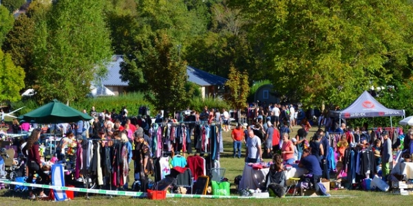 VIDE GRENIER, TOUR DU GEVAUDAN, FOOTBALL